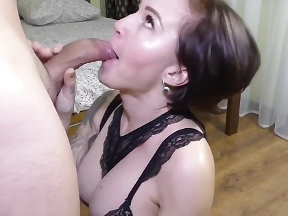 I was at school, my neighbor came and fucked my mom ! Who's going to fuck m