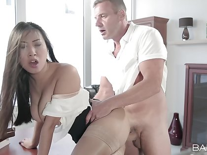 Aroused Asian MILF get an eye for an eye her cunt with dramatize expunge man's itchy monster