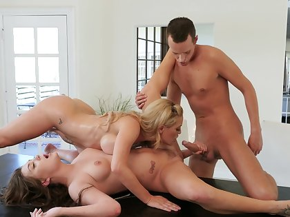 Lesbians share horseshit for anal in mom and foetus tryout