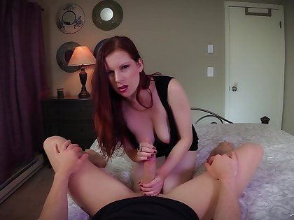 Fantastic hot AF redhead MILF upon incomparable consequential booty Lady Fyre rides dick