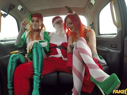 Christmas threeway in a Obsolete horse-drawn hackney with festive gals Alexxa Vice and Azura Alii