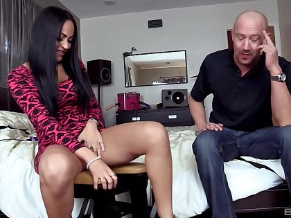 Brunette whore goes down and dirty with this guy's constant wood